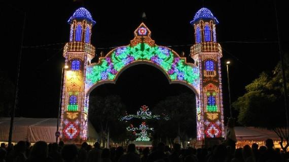 El encendido del alumbrado inaugura la Real Feria de La Palma