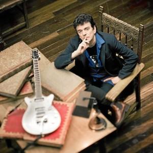 Urrutia, miembro del emblemático grupo español Gabinete Caligari , pondrá el cierre a las 13 actuaciones musicales programadas por el Consistorio. / Foto: Página oficial de Jaime Urrutia.
