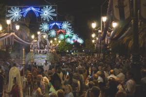 Procesión de la Virgen de las Angustias por las calles de Ayamonte.