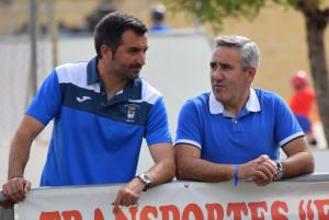 Rafael Fernández, director deportivo y Antonio Corchero, concejal de Deportes de Hinojos.