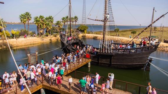 Los onubenses celebran el 525 aniversario de la llegada de Colón a América en el lugar donde comenzó la aventura