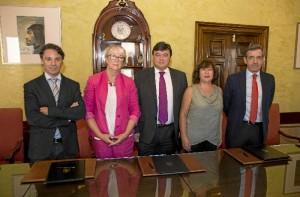 Un total de 10 jóvenes onubenses con Síndrome de Down y diferentes grados de discapacidad intelectual puedan hacer prácticas laborales en el Ayuntamiento de Huelva.