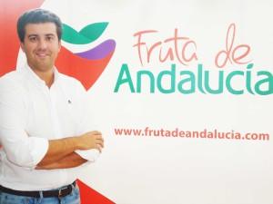 Juan Manuel Vivas aboga por la unión, tal y como reza el eslogan de 'Fruta de Andalucía'.