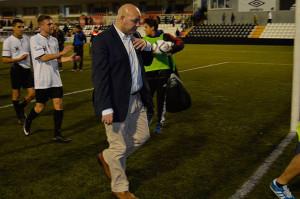 Cándido Rosado, ya es de manera oficial nuevo entrenador del San Roque. / Foto: @SanRoqueLepe.