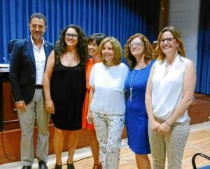 María José, el día de la defensa de la tesis con  los miembros del tribunal y las directoras del estudio.