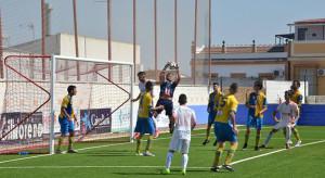 La Palma recibe este domingo al Atlético Algabeño, un rival muy peligroso fuera de casa. / Foto: David Limón.