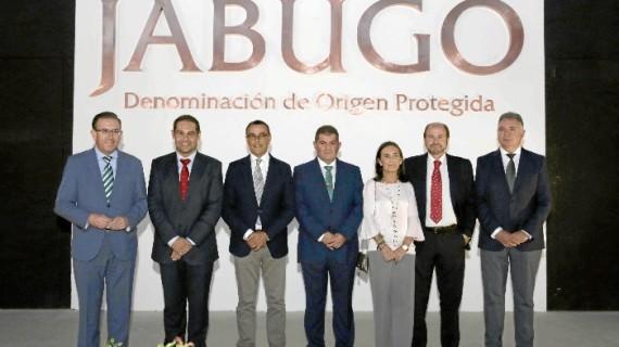 La Sierra acoge la presentación de la  DOP Jabugo como punto de partida para su lanzamiento en el mundo