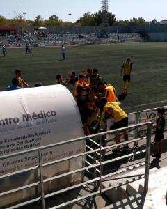 Los jugadores del San Roque celebran el segundo gol. / Foto: @Aurinegros.