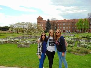 La onubense, conociendo Polonia con dos amigas.