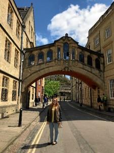 Sus días libres los aprovecha para viajar. En la imagen, en la ciudad inglesa de Oxford, En el centro de Oxford, en unos de sus puentes más conocidos 'Bridge of Sighs'.