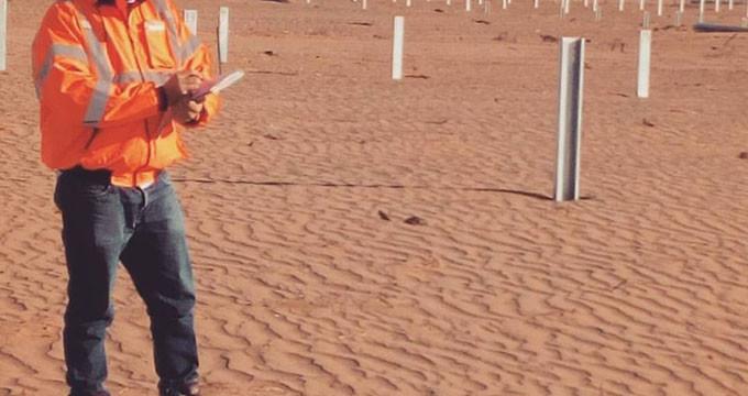 El onubense Ángel Osuna Alba supervisa la construcción de un parque fotovoltaico en Ciudad Juárez