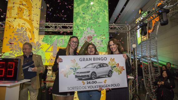 Mar Rojano, ganadora del coche del cuarto aniversario de Holea
