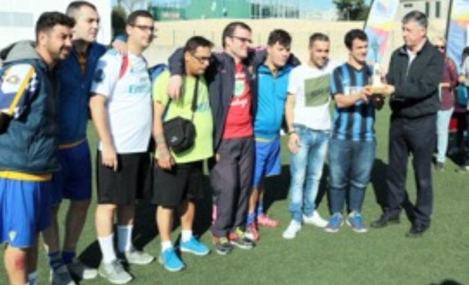 Un momento de la entrega de premios del torneo celebrado en Palos de la Frontera.