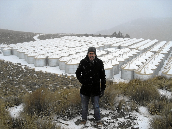 El físico onubense, Rubén López Coto, en Observatorio de Rayos Gamma HAWC,en México.