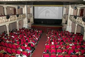 El Festival de Cine Iberoamericano de Huelva finalizó anoche la programación de su 43 edición con la celebración en el Gran Teatro de una sesión especial dedicada al 525 Aniversario del Encuentro entre dos Mundos.