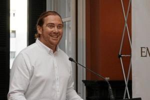 Luis Anes, recibiendo  el Premio al Empleado Público del Año en la categoría de Educación en 2016. / Foto: José Rodríguez.