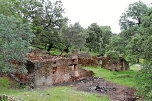 El proyecto se está llevando a cabo en este antiguo cortijo, que se encuentra en estado ruinoso.