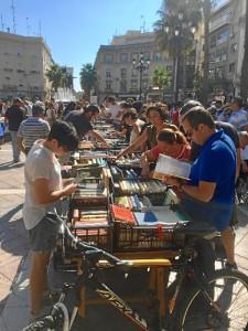 El Mercadillo se celebra este sábado en la Plaza del Punto.