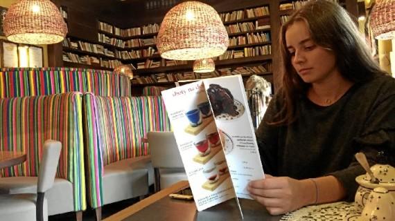 La onubense Esther González Muñoz cuenta su experiencia en Varsovia como estudiante de Relaciones Internacionales