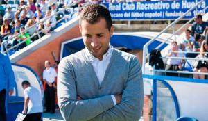Ángel López, entrenador del Recreativo de Huelva. / Foto: Pablo Sayago.