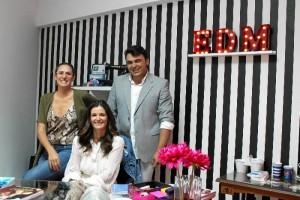 Profesores de la Escuela de Diseño y Moda, Edm Huelva. De izquierda a derecha: Mar Albalá, Silvia Caro y José Manuel Camacho.