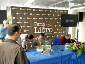 Los autores, en la Feria del Libro.