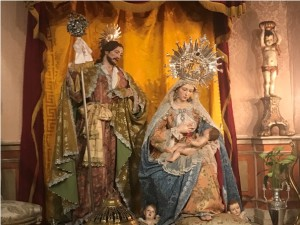 Imágenes de Nacimiento a tamaño natural del escultor Ramón Cuenca.