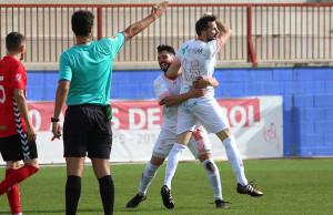 Festival de goles en el La Palma-San Roque, que concluyó con empate a tres. / Foto: Antonio Alcalde.