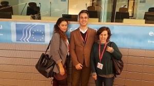 De izquierda a derecha Ana Segovia, Dpto. de Comunicación Fundación Secretariado Gitano; Tomeu Roig, director Fuerte El Rompido y Belén Sánchez, directora Dpto. Internacional Fundación Secretariado Gitano.