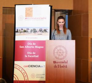 Silvia, con el Premio al Trabajo de Excelencia de joven investigador.
