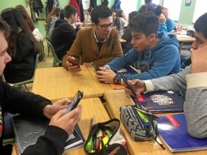 Su mayor satisfacción es que sus alumnos están muy satisfechos, participando y aprendiendo filosofía todos los días.