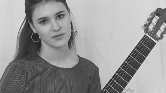 La joven Lucía Garzón se alza con el primer premio del Concurso Internacional de Guitarra 'Ángel Iglesias' de Extremadura