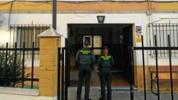 La Guardia Civil detiene a un varón por el hurto de prendas de vestir en un establecimiento de Isla Cristina