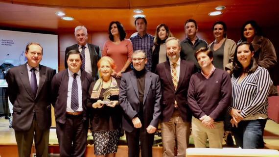 Rosa María Calaf recibe el Premio de Periodismo 'Ángel Serradilla' en un emotivo acto