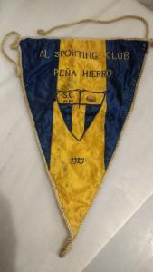 Banderín de un club de Nerva.