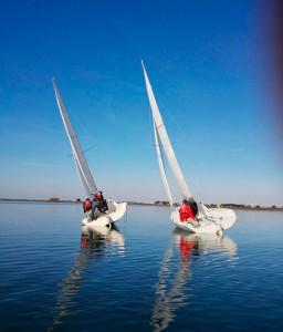 El formato match-race se basa en regatas cortas de un barco contra otro.