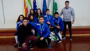 Representantes del Club Esgrima Huelva en el torneo celebrado en Maracena.