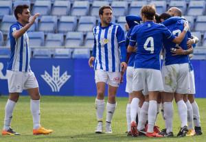 Celebración del gol del Recre, obra del defensa Michel Zabaco en propia puerta. / Foto: Pablo Sayago.