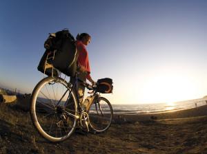 Hacer cicloturismo es una fórmula saludable de conocer la provincia de Huelva. / Foto: CMD Sport.
