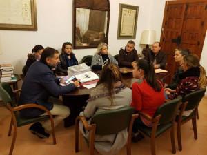 En Moguer se han reunido para valorar el cambio de fecha de la Cabalgata.
