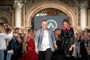 Qué heavy eres, Juana!, todo un gran éxito del diseñador onubense Javier Mojarro.