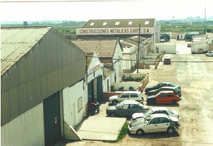 Sector de casas y almacenes de Las Metas, frente a la antigua fábrica de Guano. Marzo de 2001.