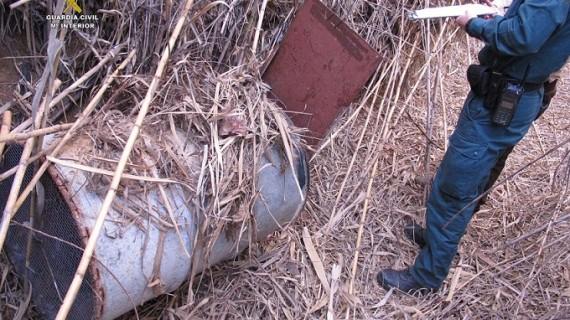 La Guardia Civil interviene dos jaulas trampa de caza prohibidas en Villalba del Alcor