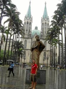 Aprender idiomas y poder usarlo a diario es un factor que valora mucho de su trabajo./ En la imagen, en Sao Paulo, Brasil.
