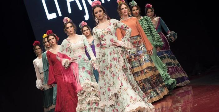 La lepera Bella Elvira gana el certamen de jóvenes diseñadores en 'Huelva Flamenca', donde desfilaron firmas como El Ajolí