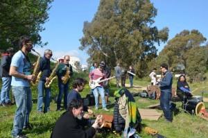 Grupos musicales amenizaron la velada.