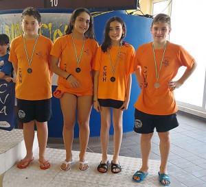 El equipo de relevos 4x50 libres mixtos fue medalla bronce.
