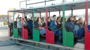 Para la visita al Santuario de La Cinta se contó con un tren turístico.