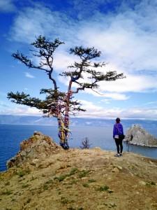 La pareja inició su viaje hace ocho meses. En la imagen, en la isla Olkhon del Lago Baikal, en el corazón de Siberia, Rusia.