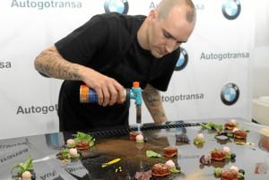 El chef  Juan López, del restaurante Puro Chup Chup, ha elaborado en directo sugerentes propuestas gastronómicas.
